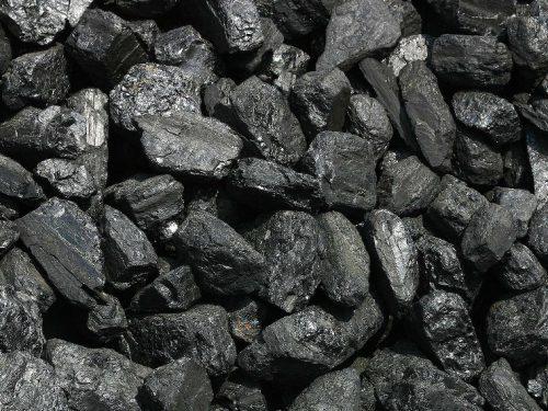 Crescono le fossili, le rinnovabili perdono colpi